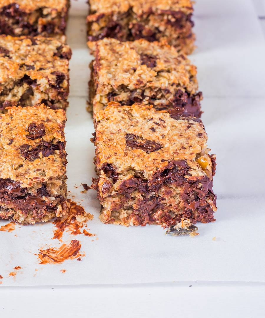 Chocolate Peanut Butter Oat Bars
