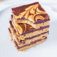 Barres Chocolatées au Beurre de Cacahuète