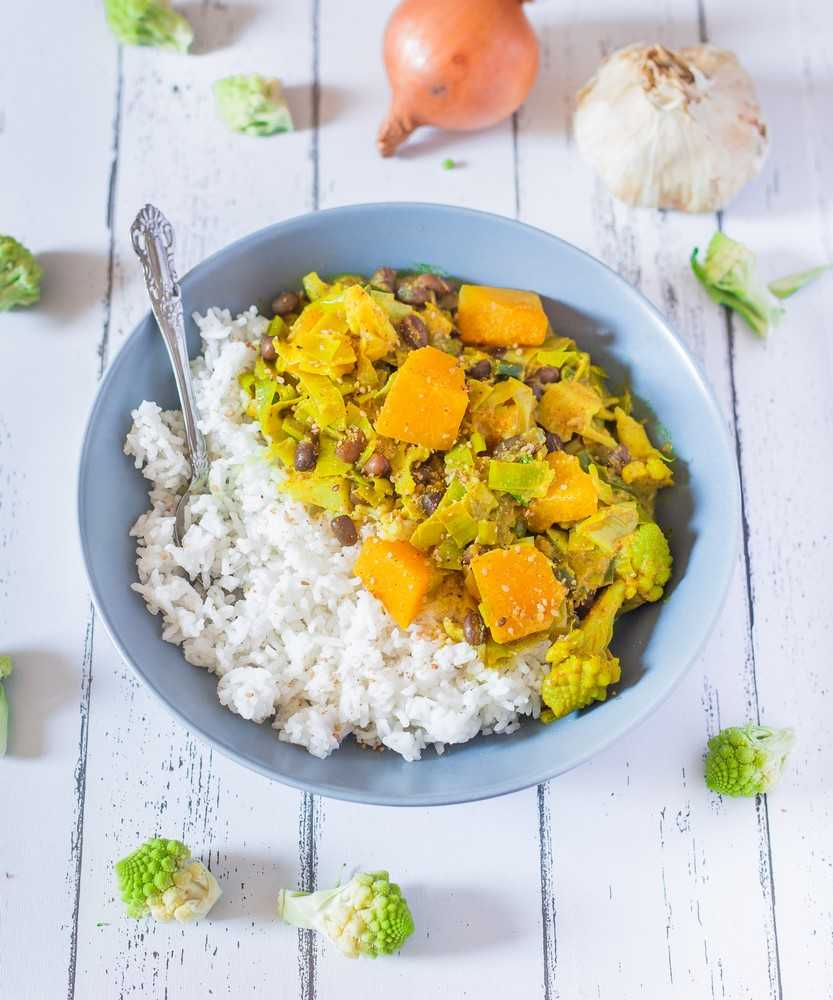 vegan curry with coconut milk
