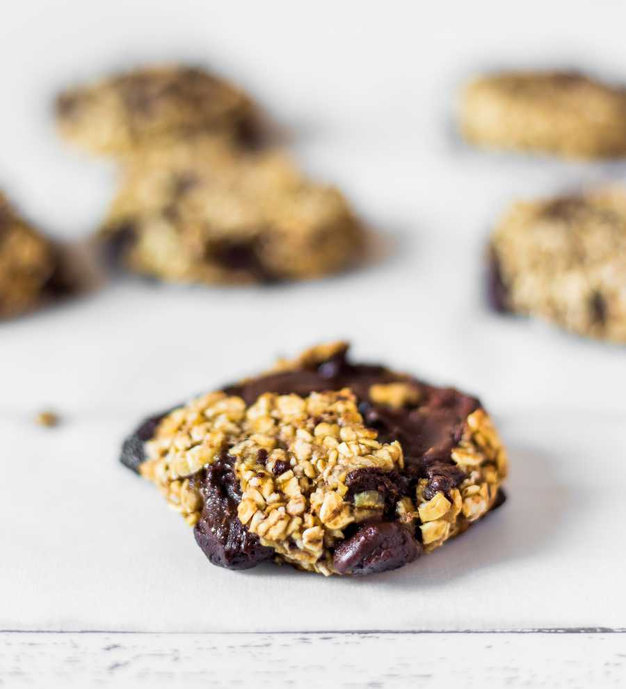 3-Ingredient Oatmeal Chocolate Chip Cookies Vegan Gluten-Free Oil-Free