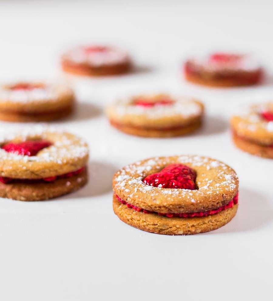 vegan cookie sandwhich