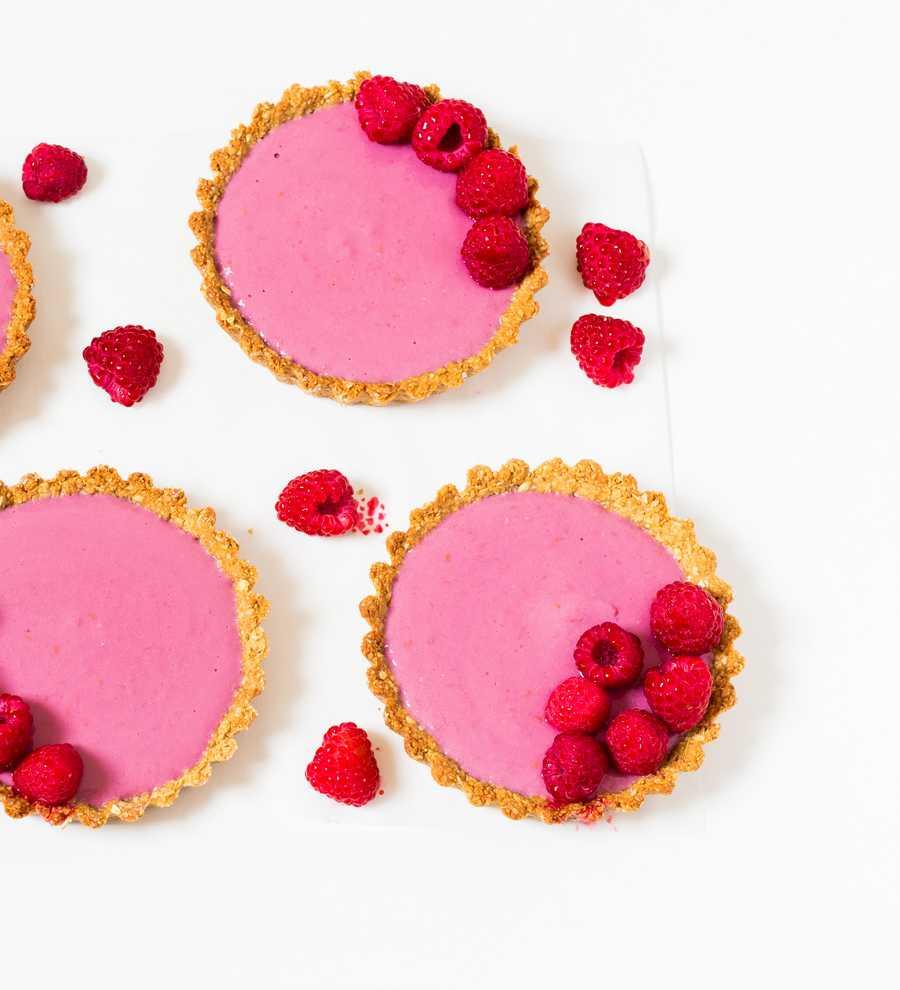 vegan tart with raspberries