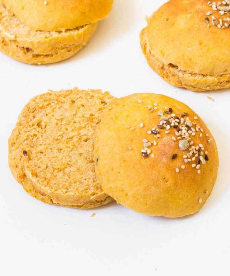 These vegan Sweet Potato Burger Buns are easy to make, soft, fluffy and delicious. They are great to make vegan burgers for a party, a picnic or a brunch. Enjoy!!