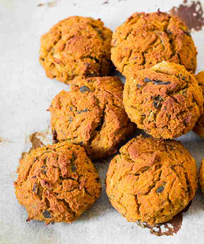 Baked Vegan Sweet Potato Falafel are easy to make, healthy, oil-free, rich in protein and delicious. Add falafel to your salad, burger, wrap or sandwich for a delicious vegan meal!
